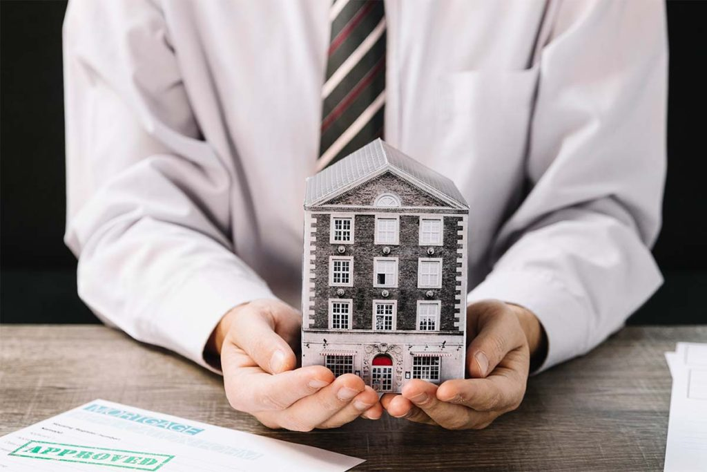 Real Estate Virtual Assistant: Do You Need One?